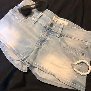BKE Stella denim stretch jean shorts sz 28